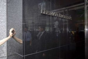 (FILES): This September 15, 2008 file photo shows the sign for Lehman Brothers headquarters in New York.  The 158-year-old Lehman filed for bankruptcy protection on September 15, 2008 in the largest US bankruptcy filing in history, leaving the future of 25,000 staff in jeopardy and sending a financial tsunami across the globe that continues to reverberate today.    AFP PHOTO / Files / Nicholas ROBERTS / AFP / AFP FILES / NICHOLAS ROBERTS